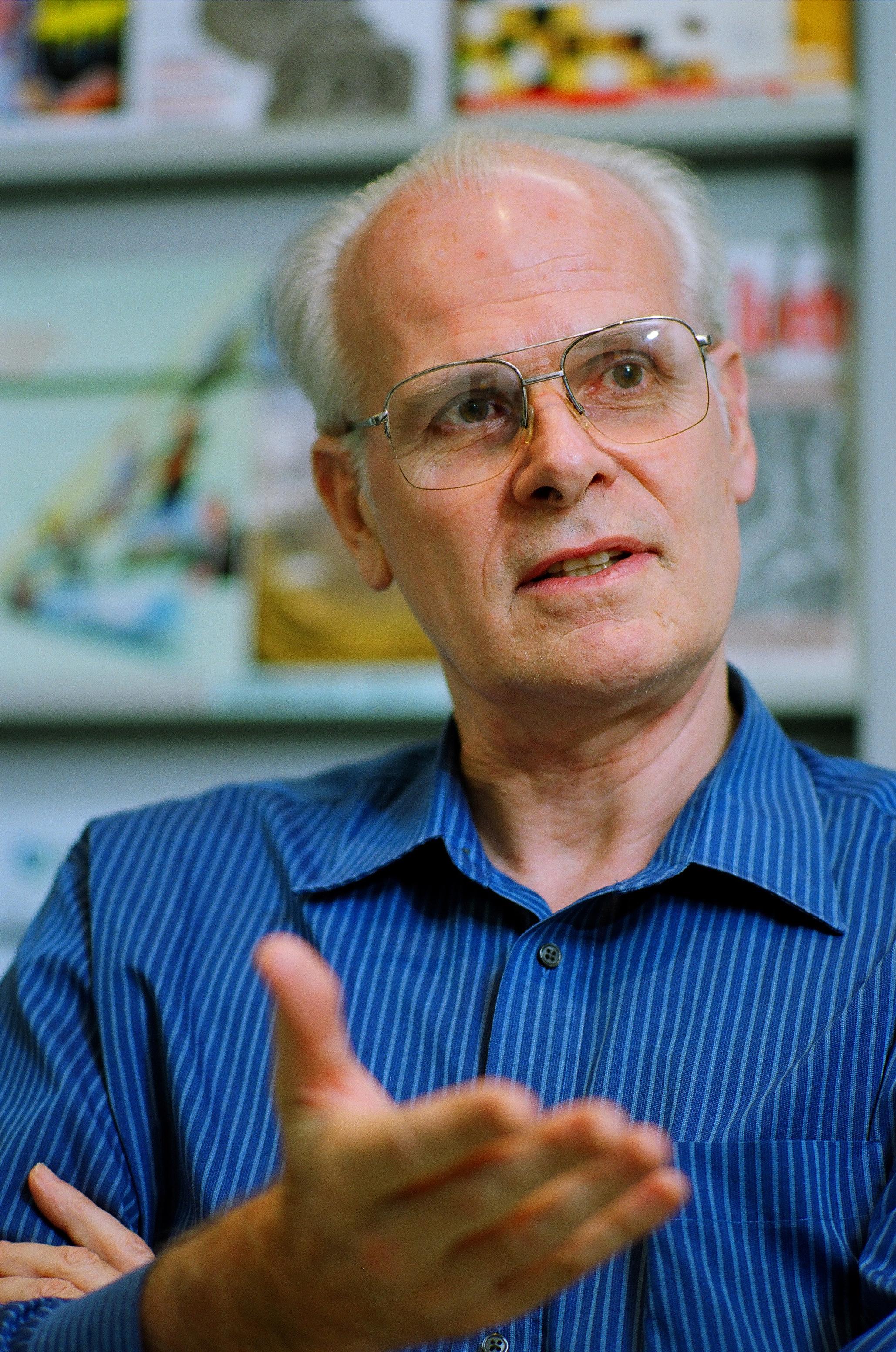 Visit Profile of Professor Michel Andre Van Hove